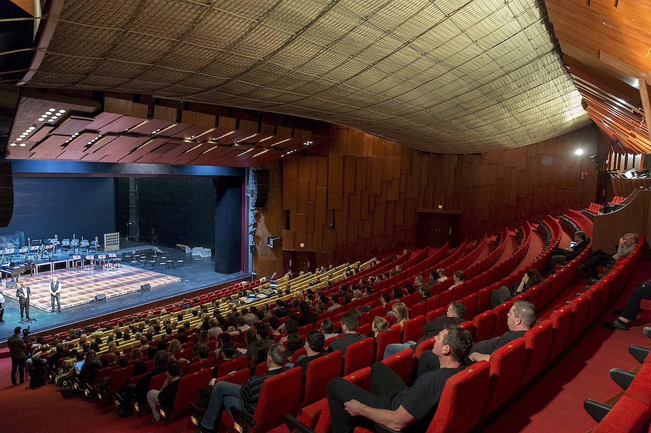 A Győri Nemzeti Színház felújítása alatt az Olimpiai Sportparkban játszik a társulat