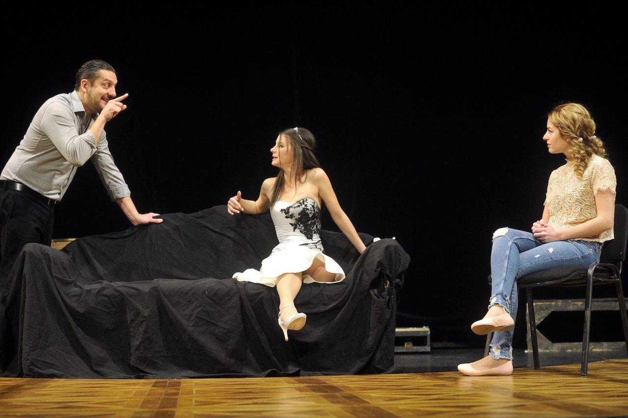 Premierajándék címmel rendhagyó Oscar Wild-darabot mutat be a Thália Színház