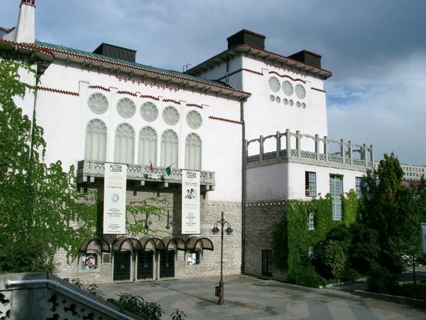 Ingyenesen látogathatják a veszprémi színház előadásait a nyugdíjasok