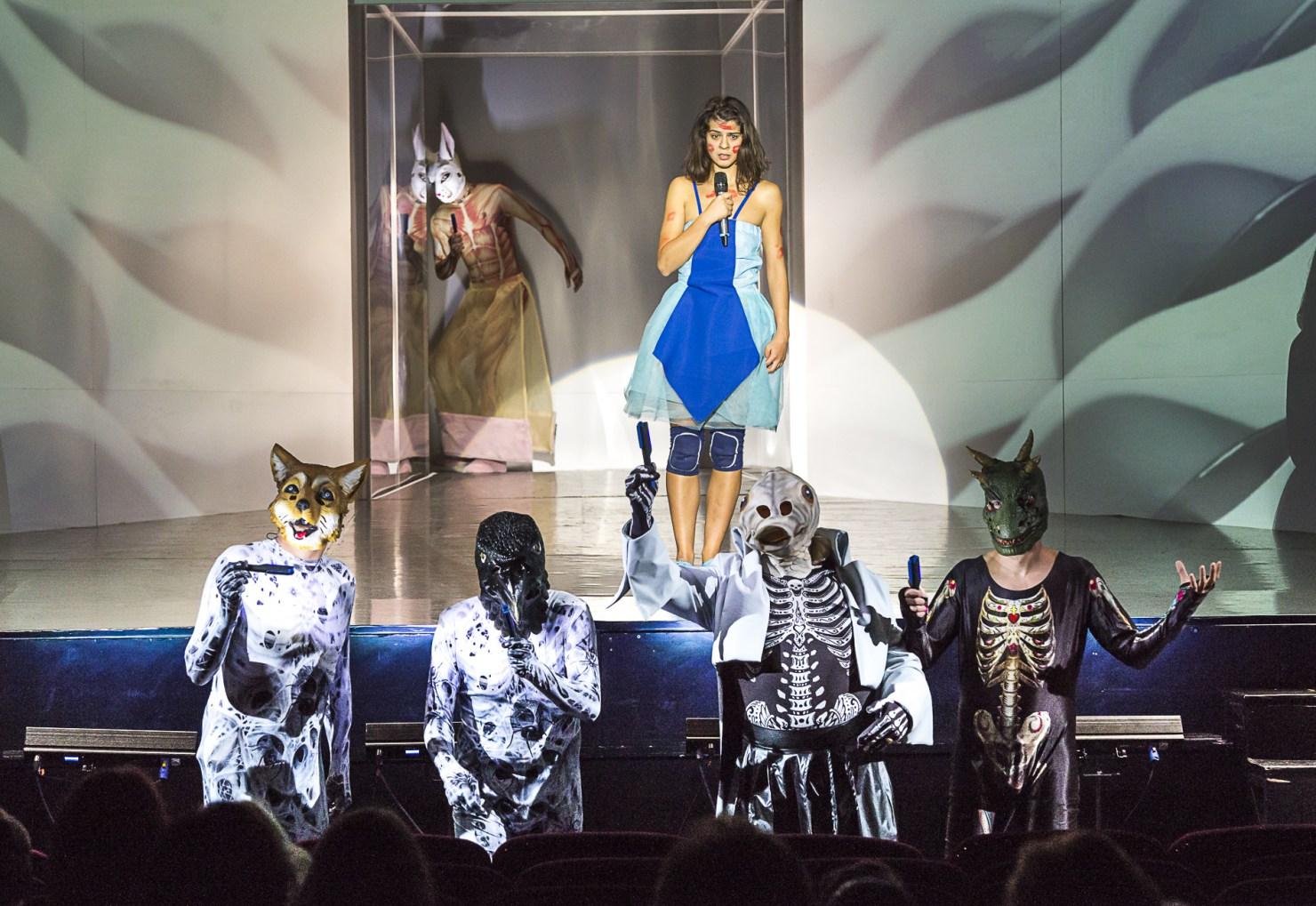Alice – bölcseleti koncertszínház Sepsiszentgyörgyön