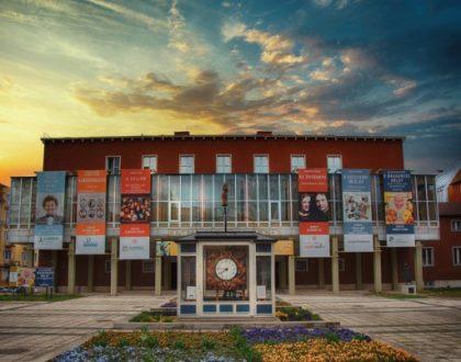 Hat új produkciót mutatnak be és pótolják az elmaradt előadásokat a zalaegerszegi színházban