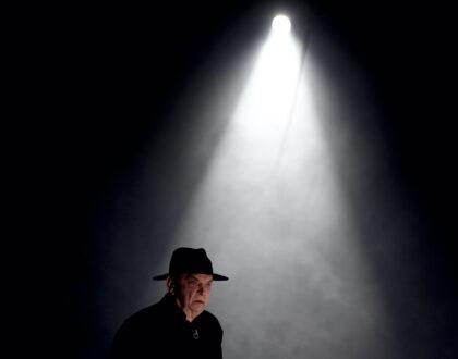 A Tizenhárom almafa című színdarab bemutatója a Nemzeti Színházban
