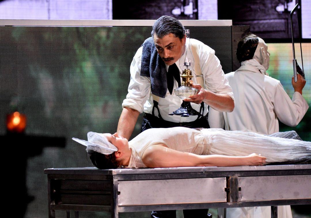 Az egészségügyi dolgozók előtt tiszteleg az Operettszínház