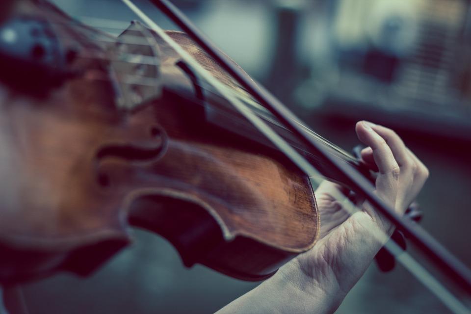 Egy milliárd forinttal segítik a független előadóművészeket