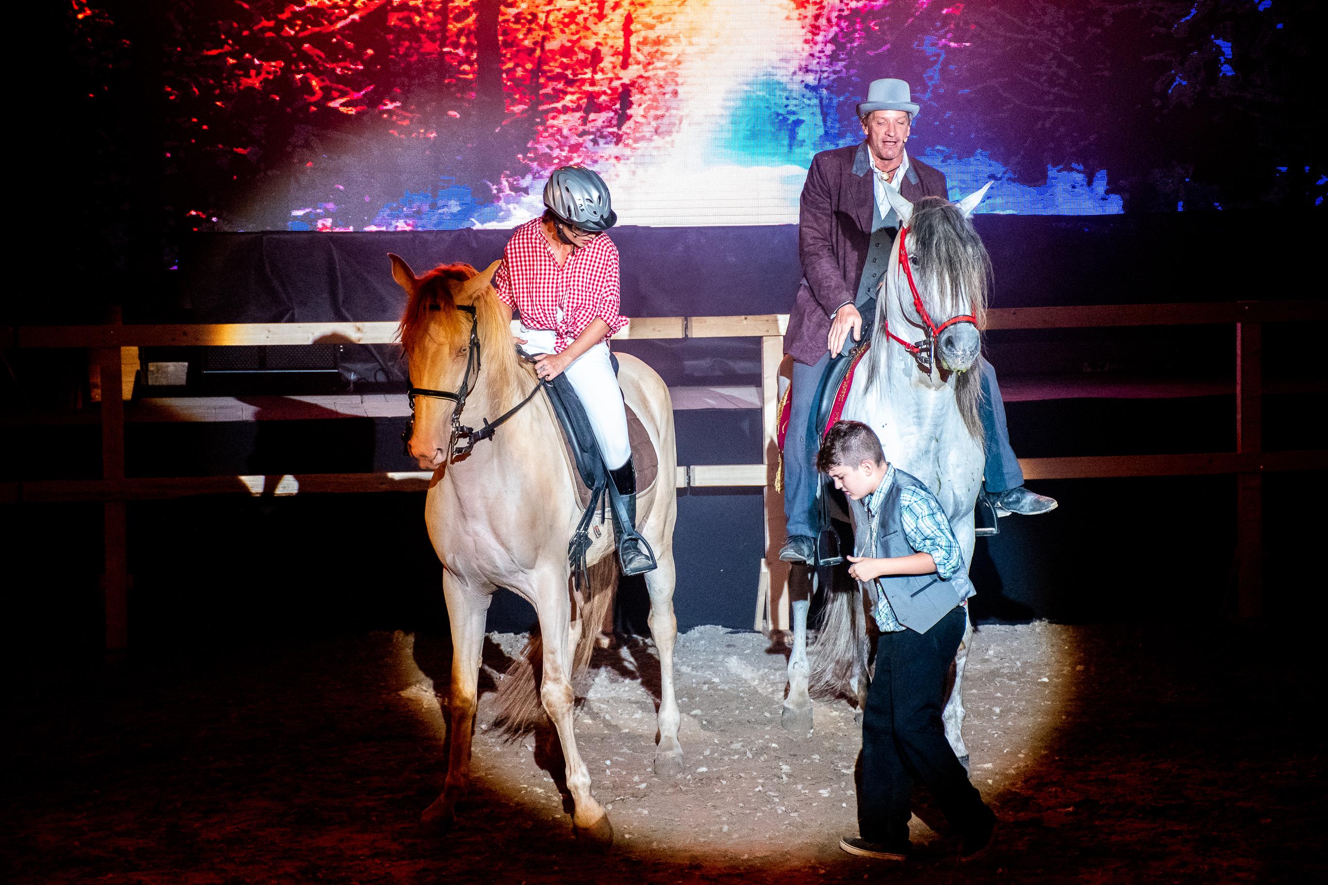 Július közepén kezdődik a mórahalmi lovas színház évada