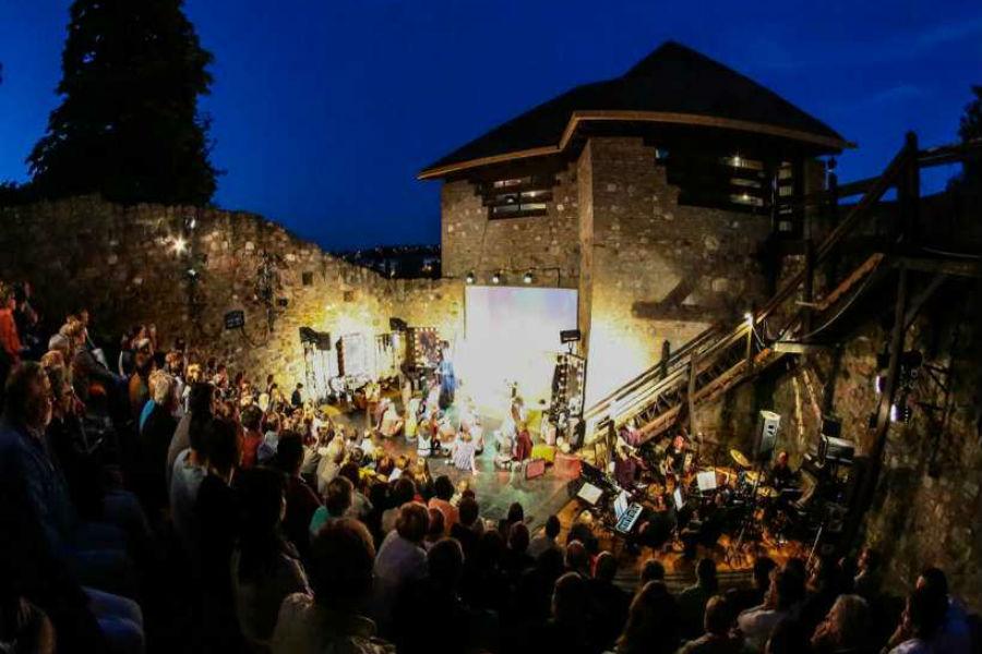 A nemzeti összetartozás évada kezdődik az Esztergomi Várszínházban