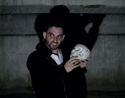 A Hamlet bemutatója a a debreceni Nagyerdei Stadionban