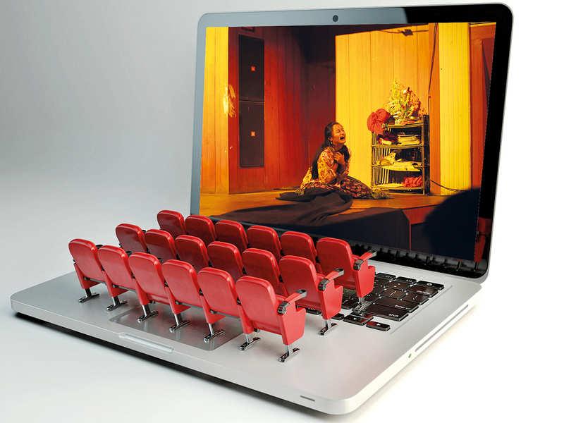 Az emberek zöme a pandémia után is hajlandó lenne fizetni az online színházi élményért