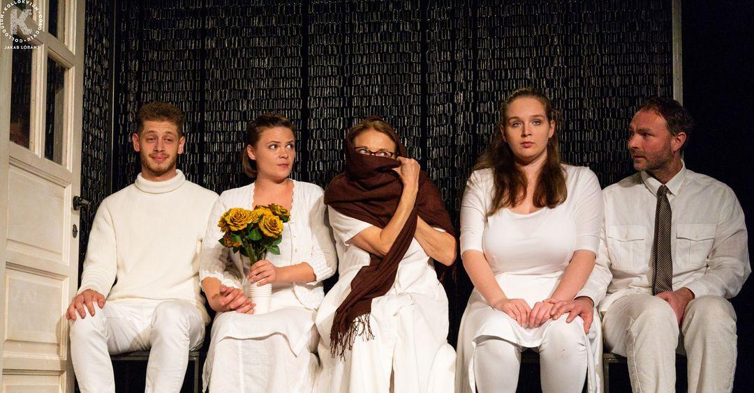Ötször tekinthető meg online Elise Wilk drámája a marosvásárhelyi Yorick Stúdió előadásában
