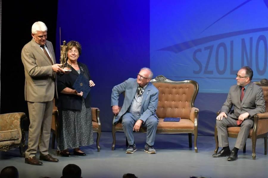 Elbúcsúztatták a Szolnoki Szigligeti Színház leköszönő igazgatóját